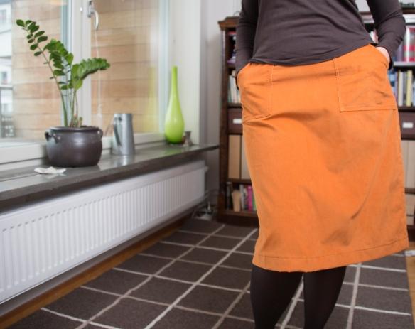 Orange manchesterkjol med schwung